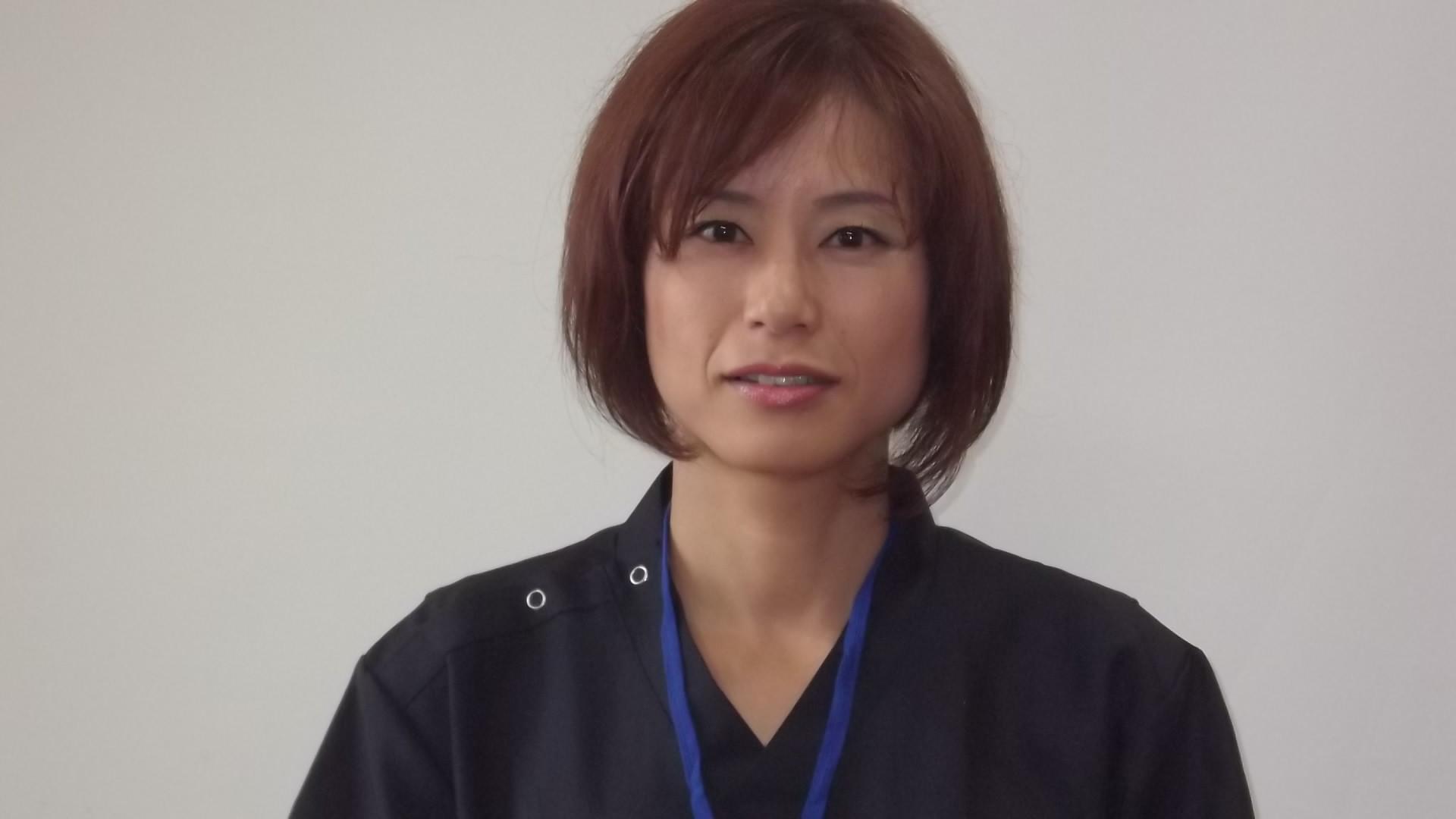 岩崎 優子 写真